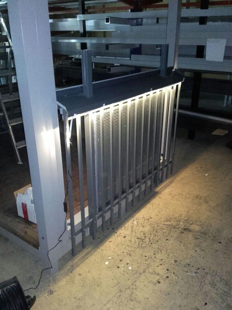 Persienn aluminiumlameller på insida räcket