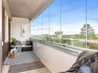 Balkonginglasning ramfria glaspartier - Uterum på balkongen