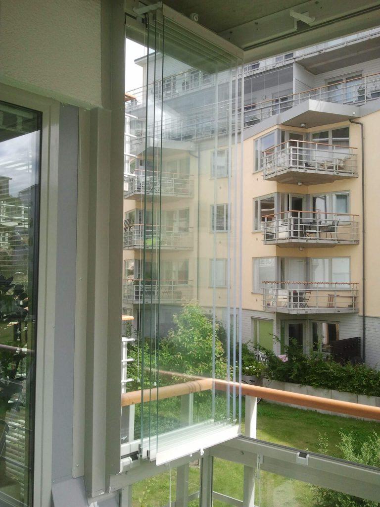 NIKA – vik-in-system – samla balkongens glas mot fasaden