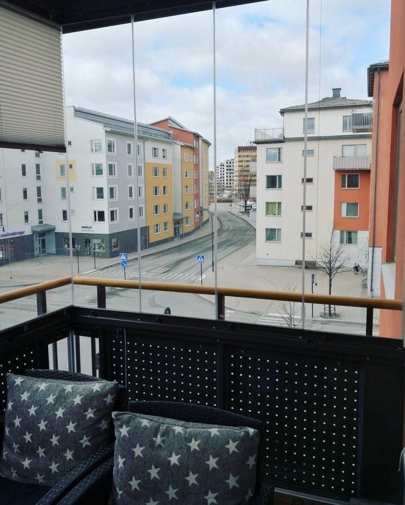 Ramfritt system modell vik-in – NIKA Inglasning - inglasad balkong