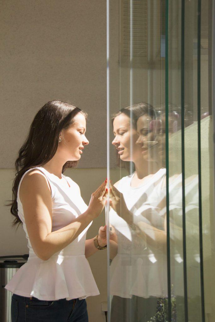 Samla glaspartierna mot väggen – Öppna inglasningen helt eller delvis